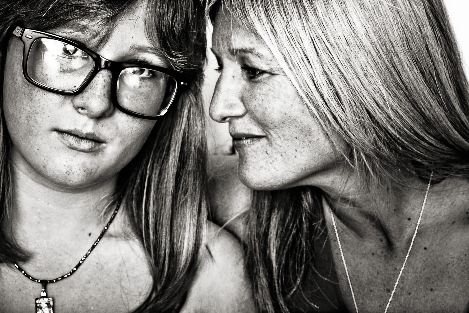 black-white-portraits-mother-daughter