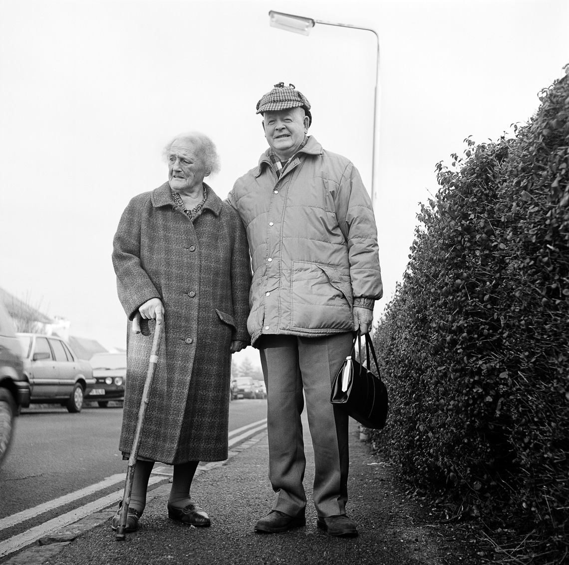 black-white-street-portrait-elderly-couple