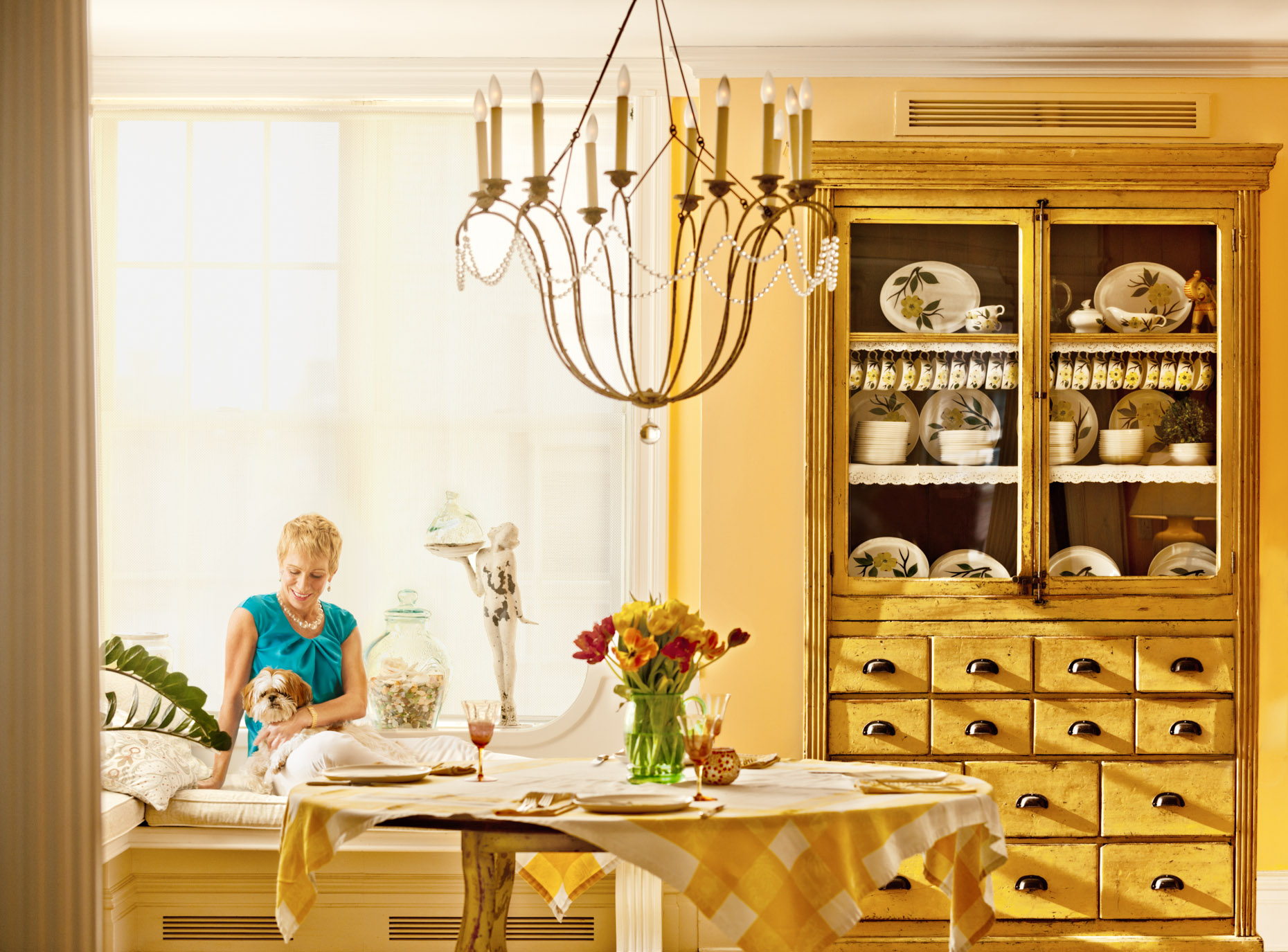 Editorial - Celebrity Portrait - Barbara Corcoran - yellow - dining room