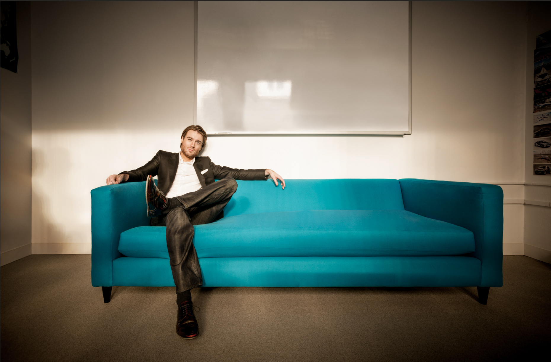 Celebrity Business Portrait - Editorial - Pete Cashmore - Mashable couch
