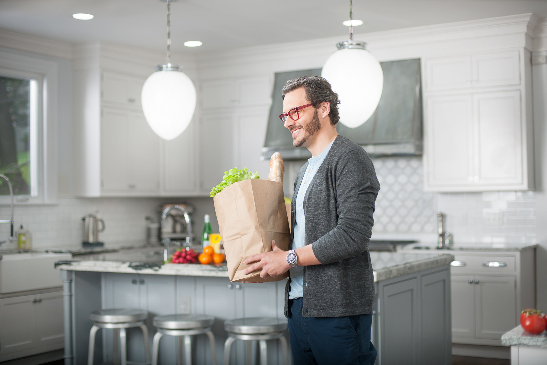 Commercial LIfestyle Portraits - Philips LED Campaign - man with groceries