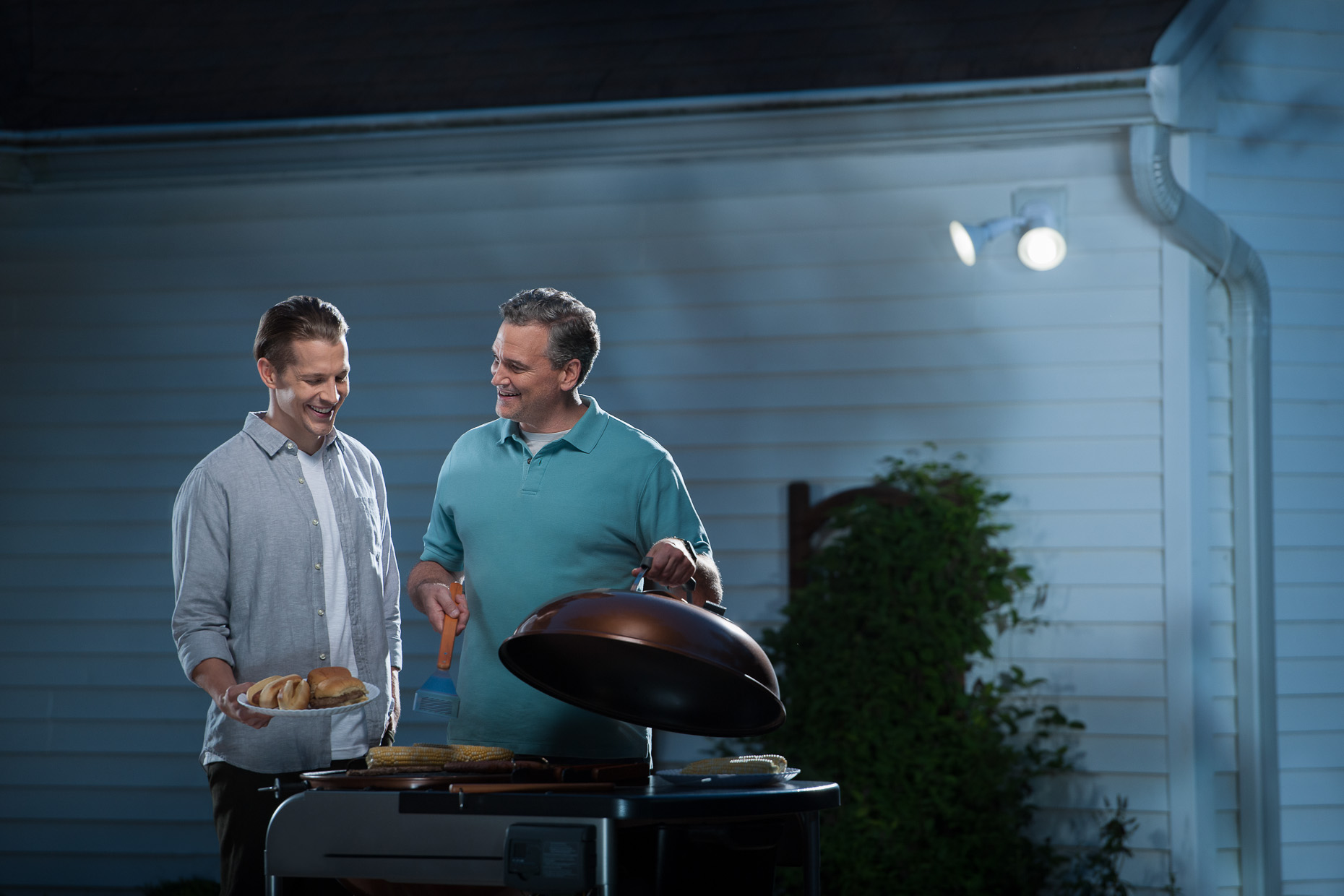 commercial-advertising-lifestyle-father-son-grill