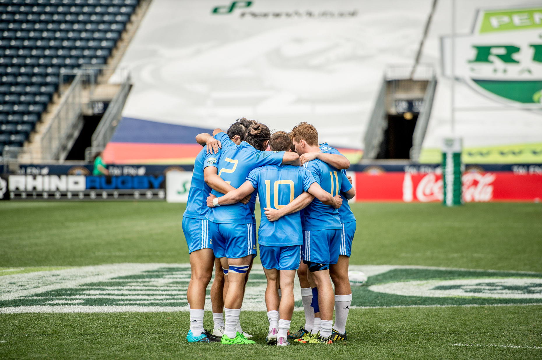 Rugby Lifestyle Photographer - Team huddle - Sports