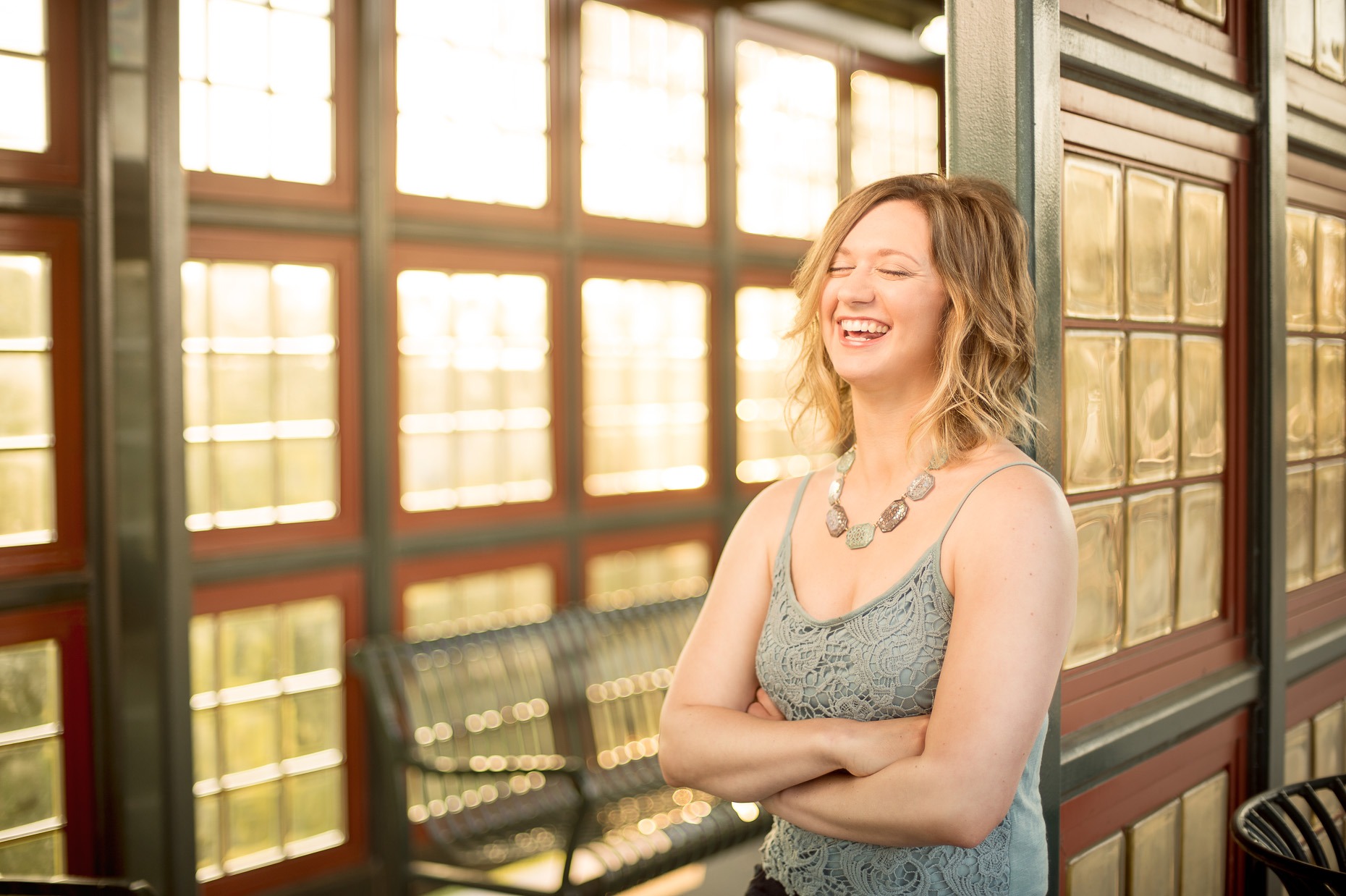 commercial-portraits-woman-laughing-sun
