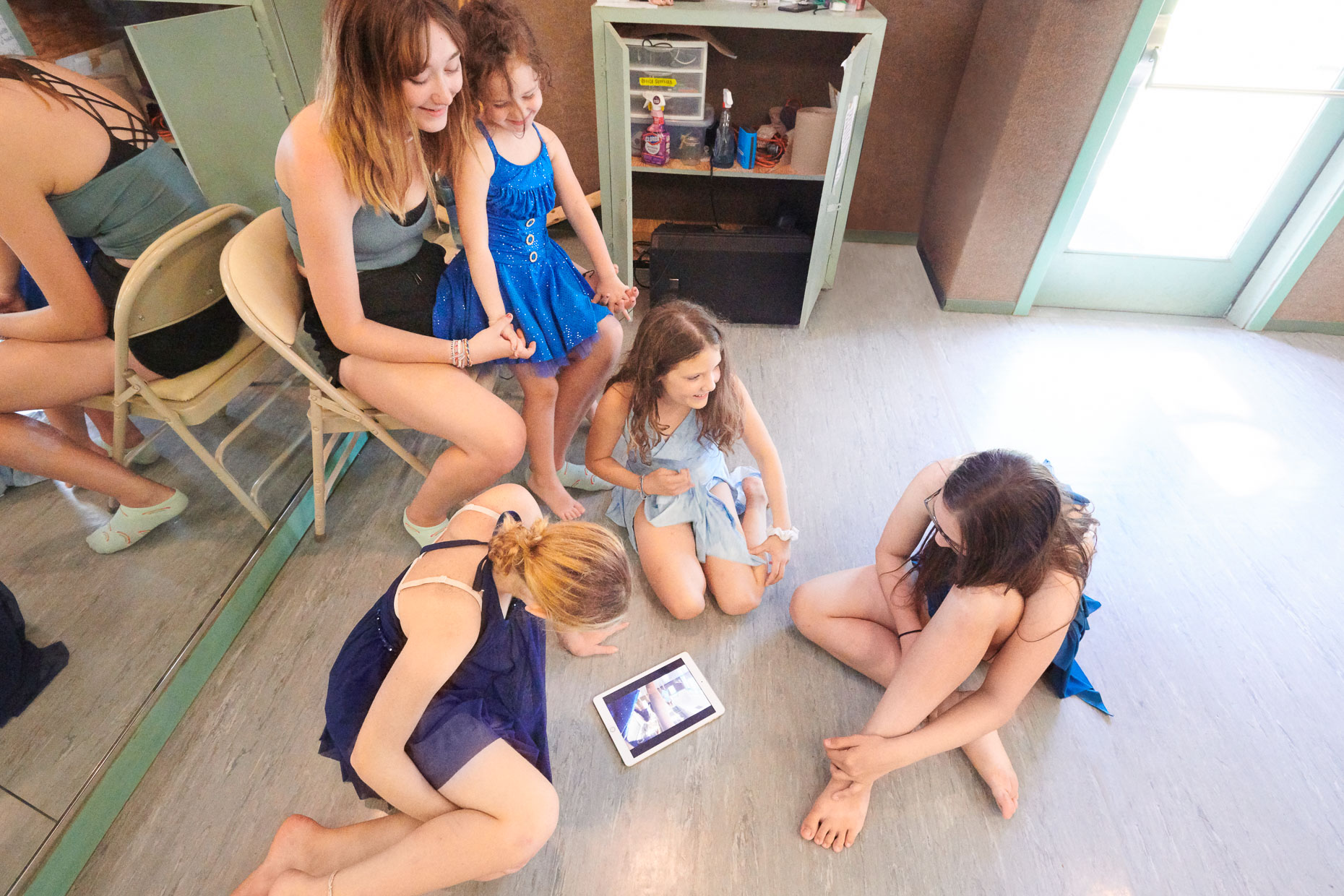 Dance Girls iPad | Appel Farm Advertising