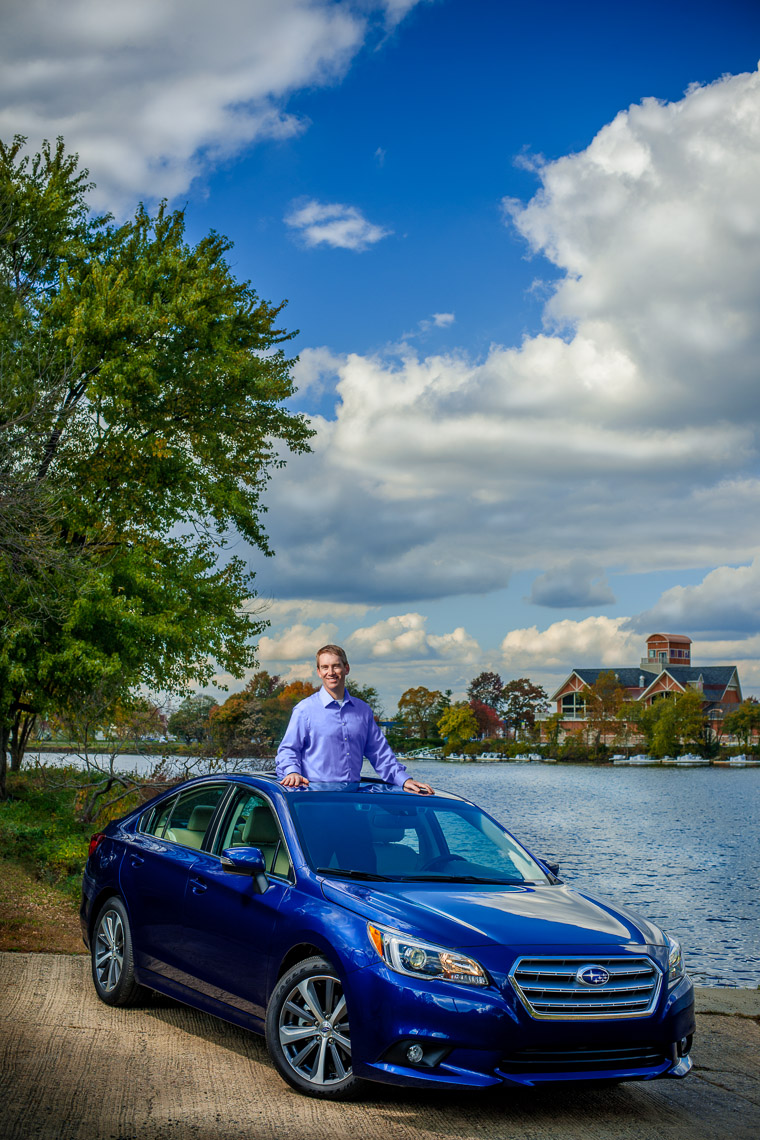 editorial-portraits-man-car-lake