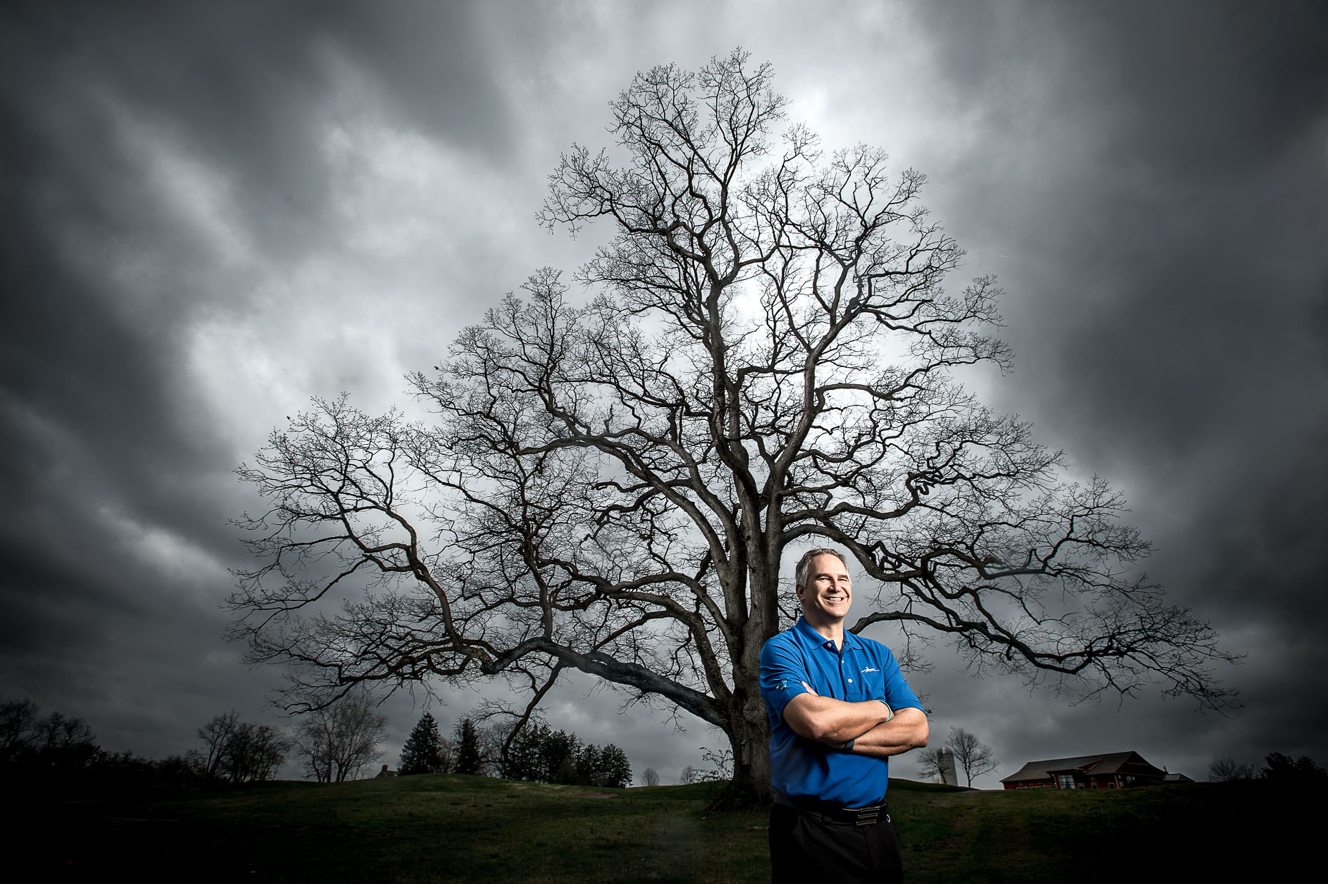 editorial-portraits-man-tree-storm