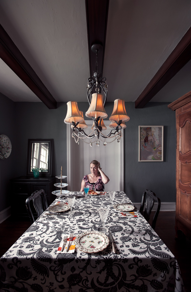 portrait-project-housewife-woman-dining