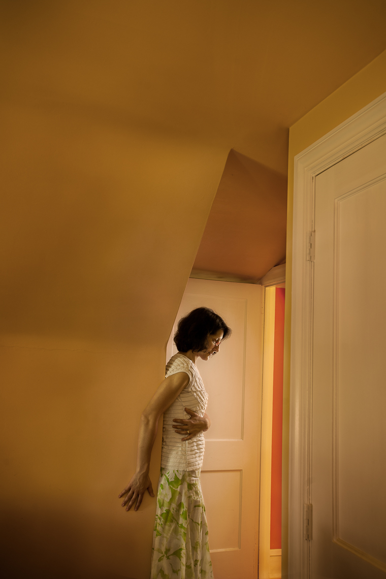 portrait-project-housewife-woman-wall